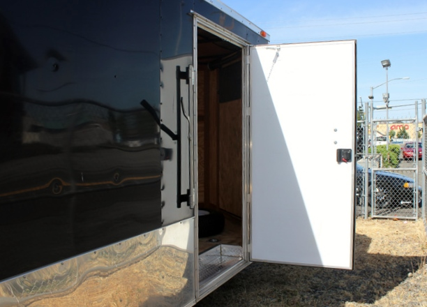 2011ES.H. 2011 BENDRON TITAN 24 Ft. V-Nose Enclosed Cargo Trailer from Town & Country Trailer Sales, Kent (Seattle) WA