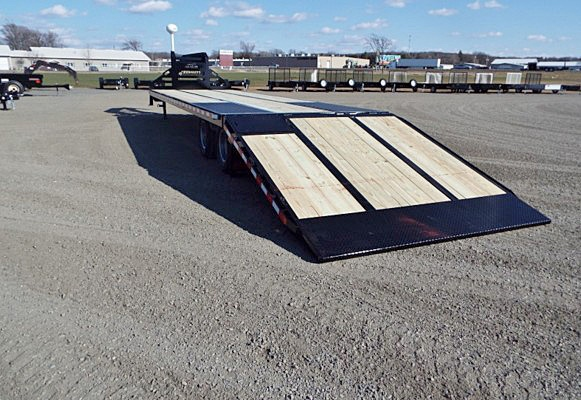 FBGN.C. FBGN Series Gooseneck Flatbed Trailers from Town and Country Commercial Trailer and Truck Sales, Kent (Seattle), WA