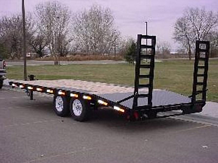 2055.E. Snake River Deck Over Equipment Flatbed Trailer from Town and Country Commercial Trailer and Truck Sales, Kent (Seattle), WA