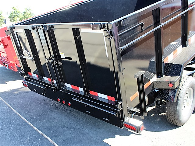 GN11. Snake River gooseneck trailers from Town and Country Truck and Trailer, Kent (Seattle) WA
