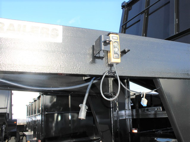 6090.F. 2006 C&B 20 ft. Tall-Sided Gooseneck Trailer from Town and Country Commercial Truck and Trailer Sales, Kent (Seattle), WA